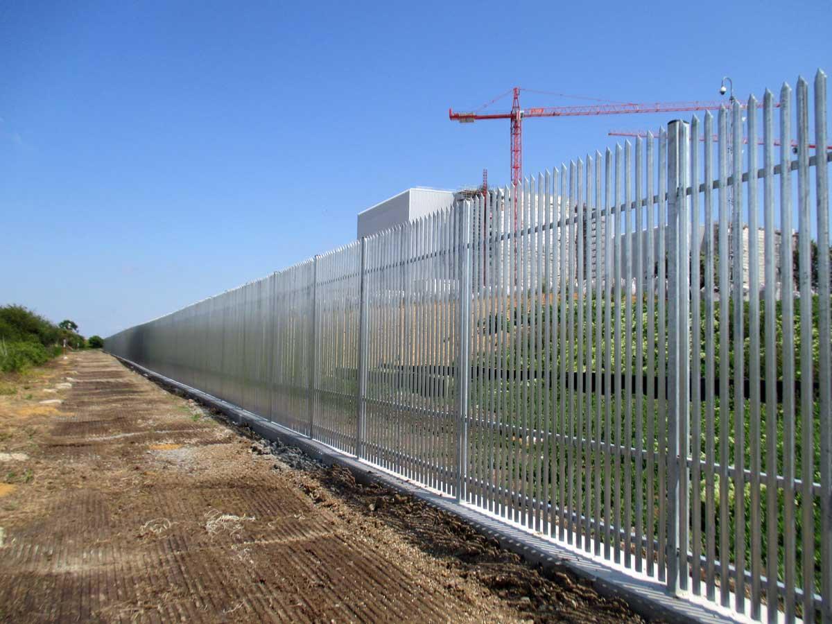 Palisade Security Fencing Vs Mesh Security Fencing