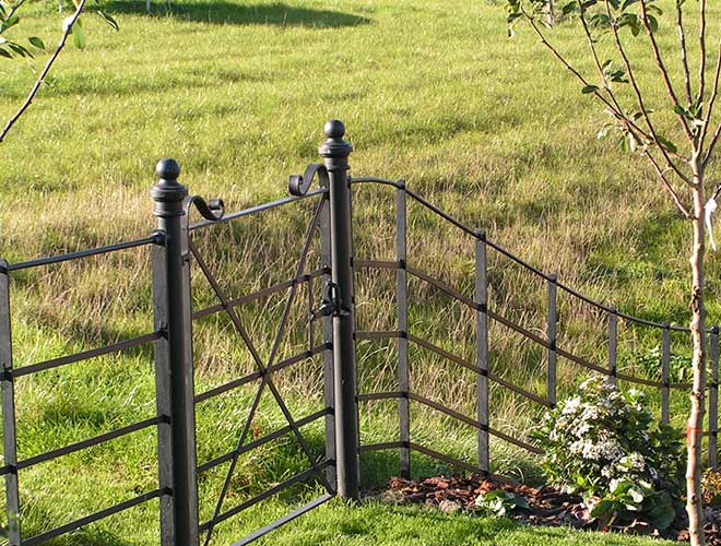 Security Fencing: Continuous Bar