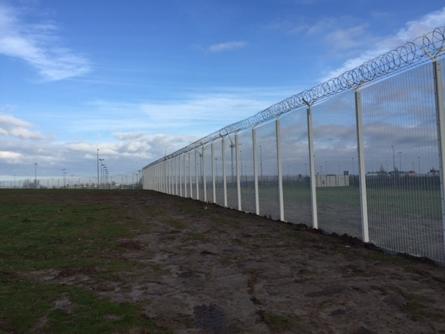 4 considerations for data centre security fencing